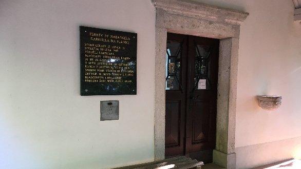 Cerkev Sv. Nadangela Gabrijela na Planici.